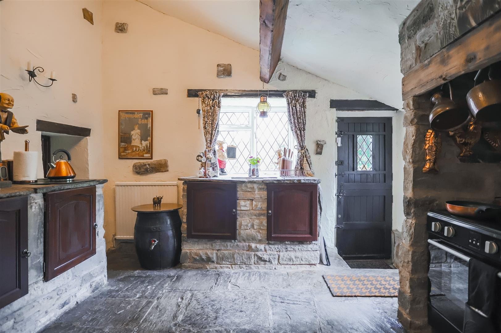 3 Bedroom House For Sale - Image 4